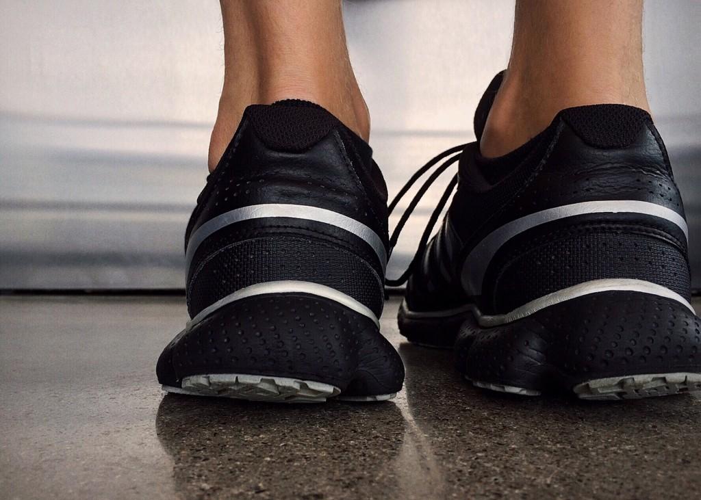 shoes-1678589_1920