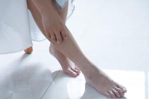 barefoot-feet-girl-1204473